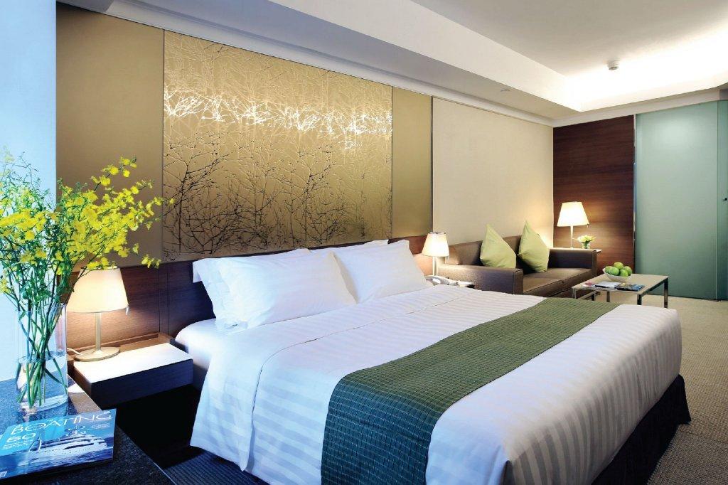 club-city-deluxe-room